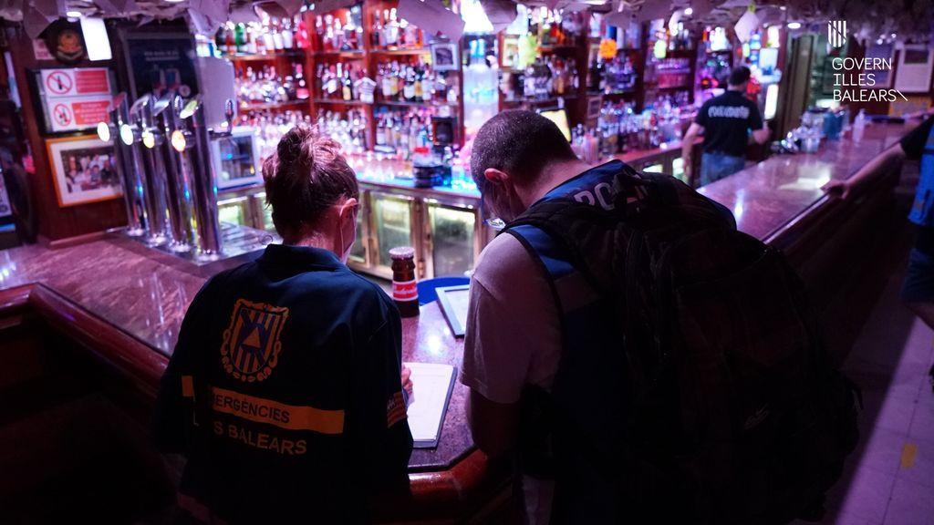 Baleares cierra dos locales incumplir reiteradamente las medidas contra el Covid-19 en Santa Ponça