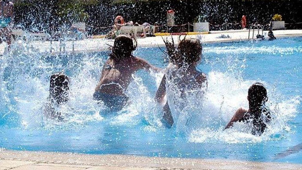 La valentía de cuatro niños: salvan a un compañero de 8 años que se estaba ahogando en una piscina