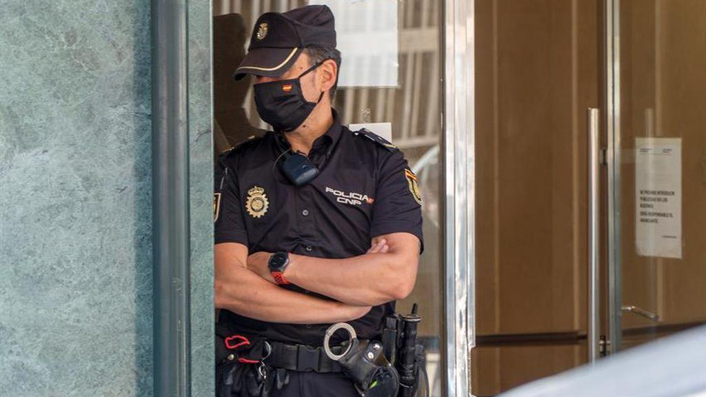 Dos detenidos y cinco policías heridos en un bar de Logroño que incumplía la normas sanitarias