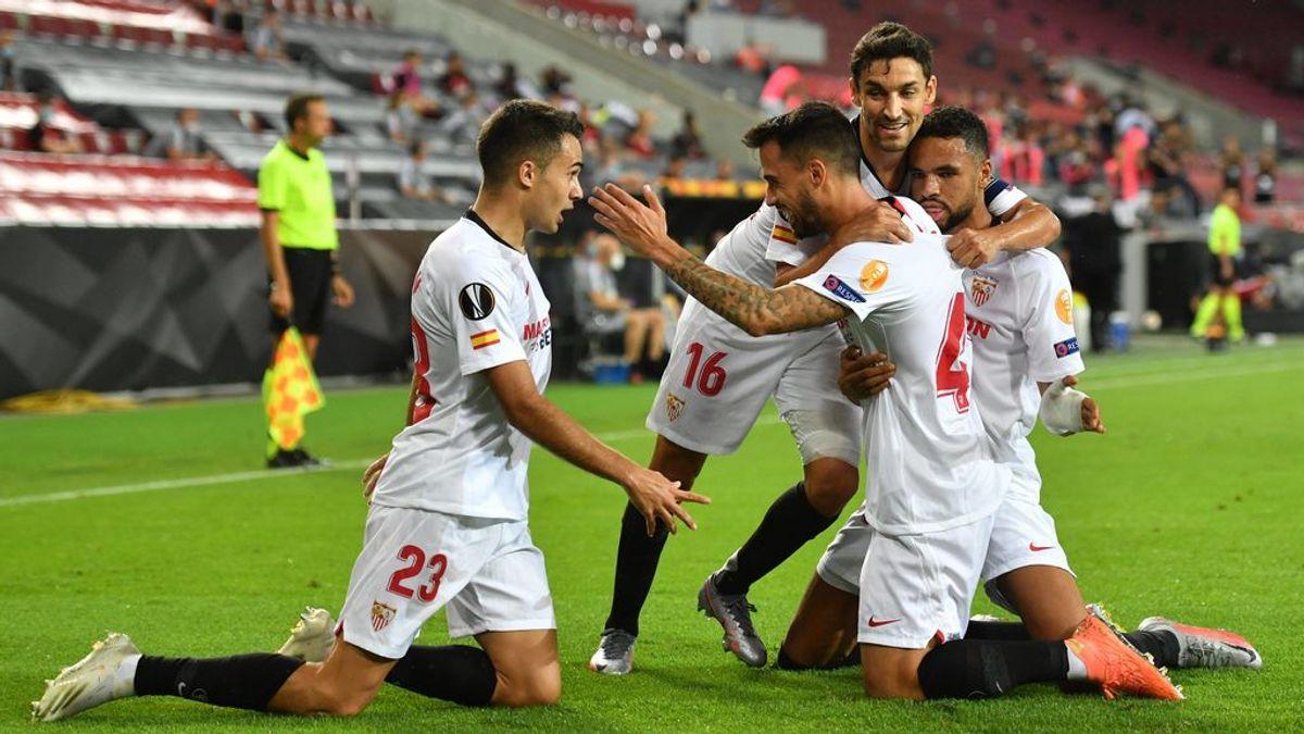 El Sevilla sufre, pero pasa a la final de la Europa League: supo aguantar los ataques del United y darle la vuelta al marcador (2-1)
