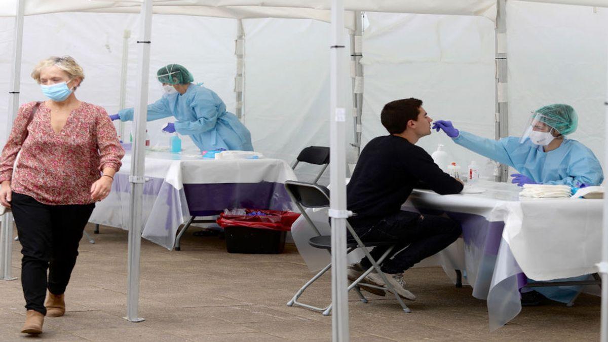 Cataluña suma 985 nuevos casos confirmados por PCR y 13 muertes en un dia