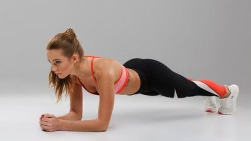 ejercicio de plancha utilizando el propio peso