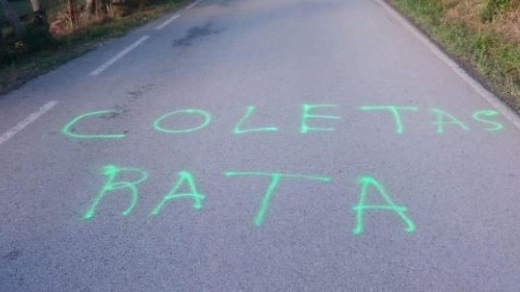 """""""Coletas rata"""",  pintadas y amenazas obligan a Iglesias y Montero a suspender sus vacaciones"""