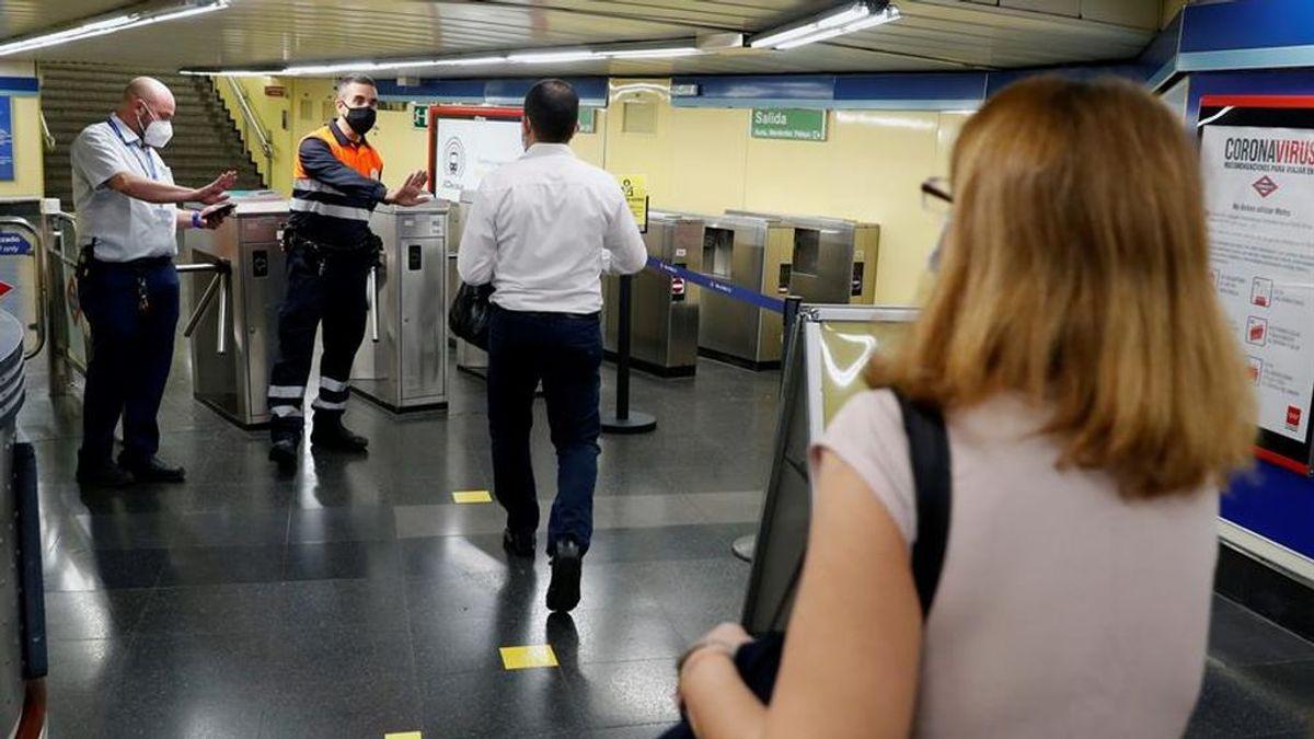 Madrid prohíbe comer en Metro y autobuses interurbanos para evitar posibles contagios