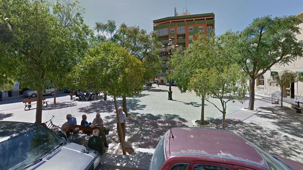 Una despedida de soltero en Altea obliga a cerrar los bares en un pueblo de Albacete por un brote de COVID