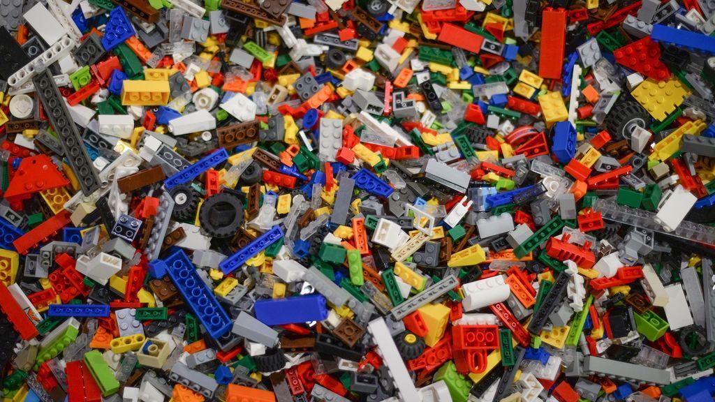 Se desprende una pieza de Lego de la nariz de un niño después de dos añosP