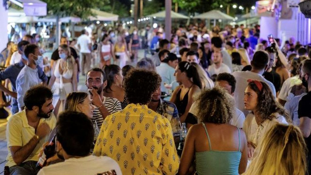 Los hosteleros andaluces avisan de la quiebra del sector ante las restricciones al ocio nocturno