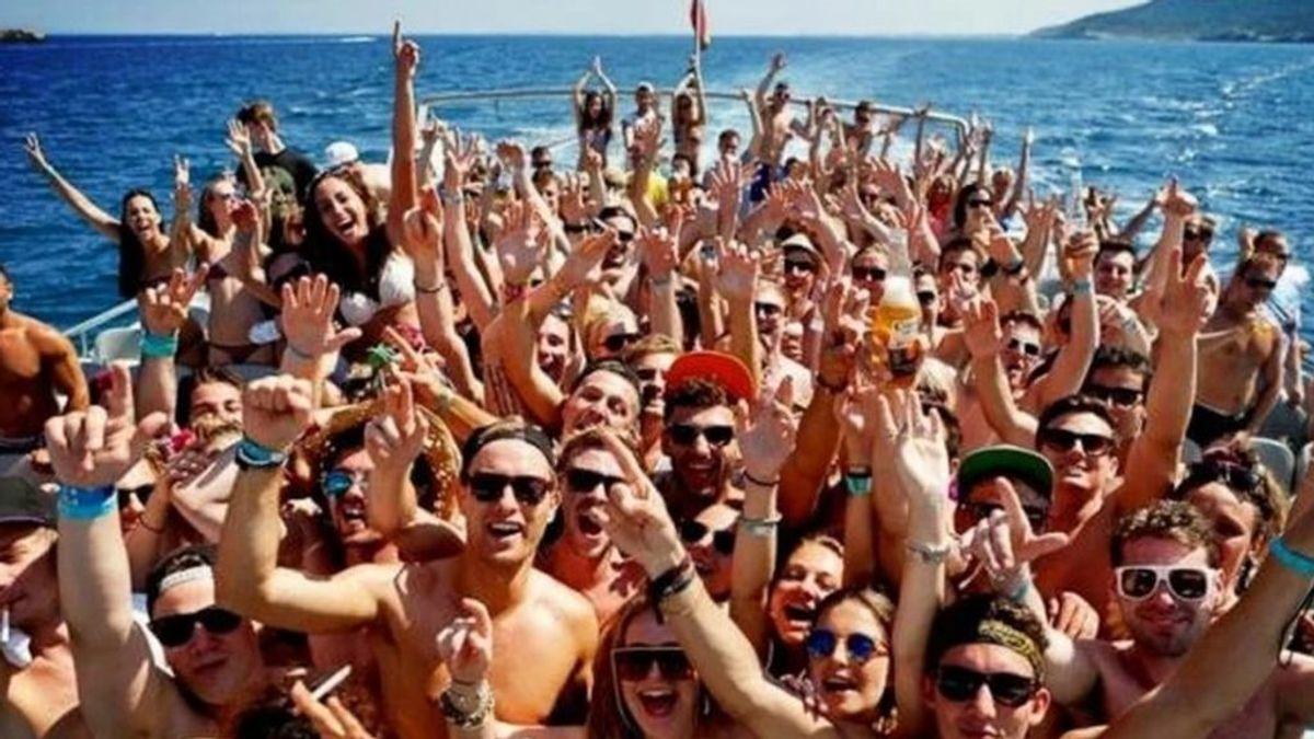 Baleares prohíbe las 'party boats' por el coronavirus