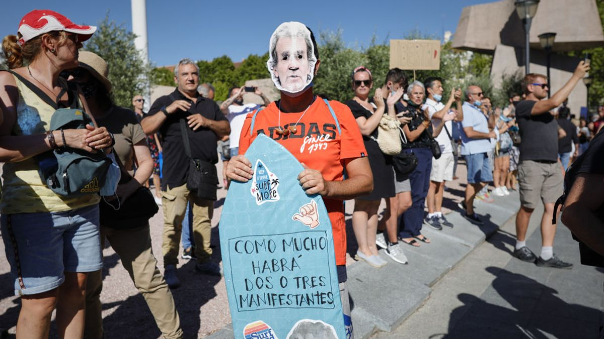 Hospitalizado grave con neumonía por coronavirus uno de los manifestantes antimascarillas