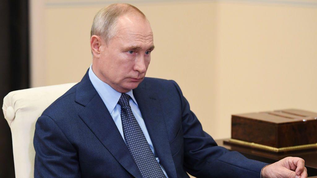 """Putin avisa ante Macron de que """"presionar"""" a Lukashenko sería """"inaceptable"""" y Michel pide """"diálogo"""""""