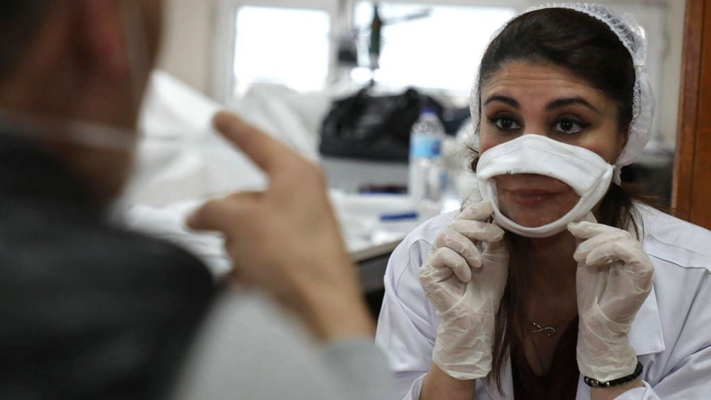 """""""Soy sordo y necesito ver los labios"""": la petición de Marcos Lechet de que se usen mascarillas inclusivas"""