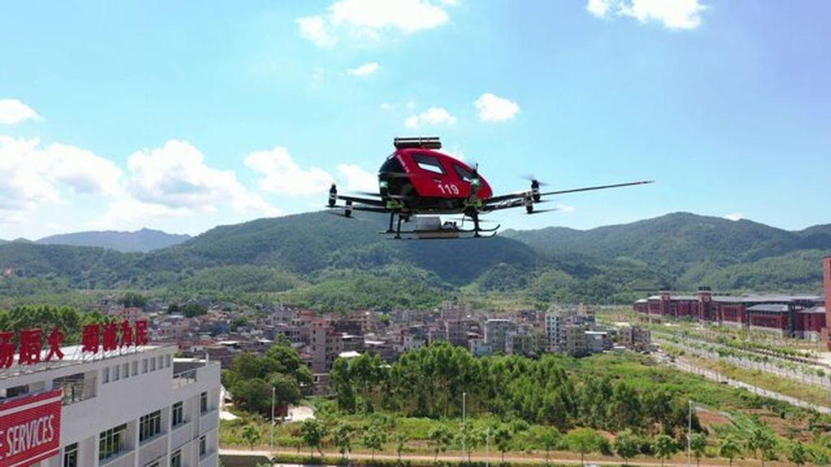 """La compañía china Ehang presenta su dron """"bombero"""" de respuesta rápida antiincendios"""
