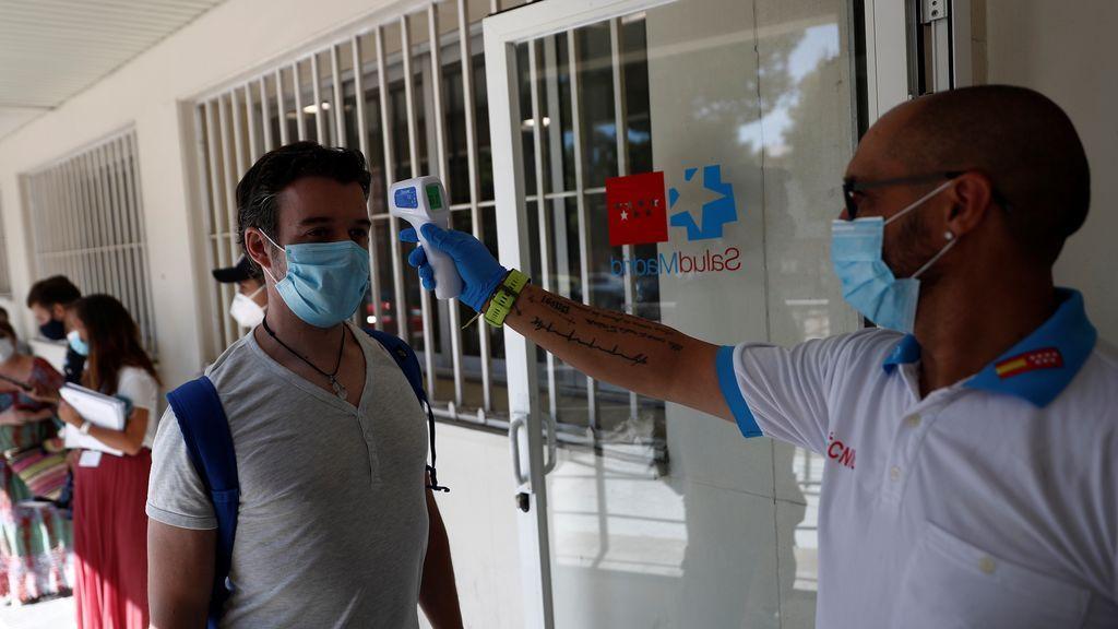 Aumentan a 2.128 los casos de coronavirus en España en las últimas 24 horas