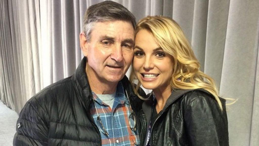 Britney Spears junto a su padre