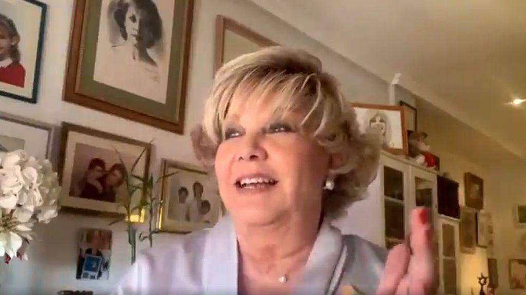 """""""Nos van a encerrar"""": Karina improvisa una canción desde casa y se convierte en fenómeno viral"""
