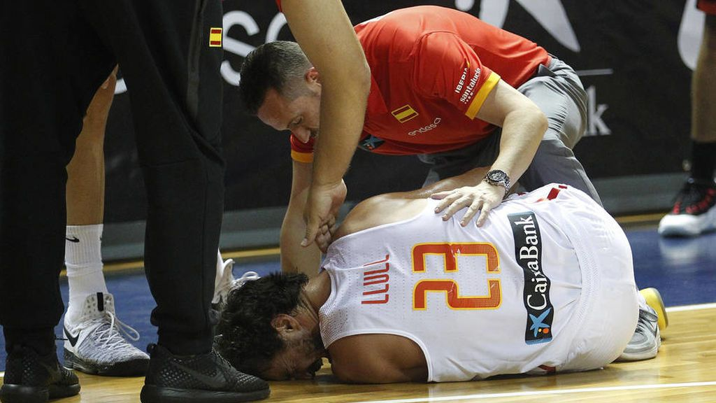 lesión de ligamento cruzado durante un partido de baloncesto