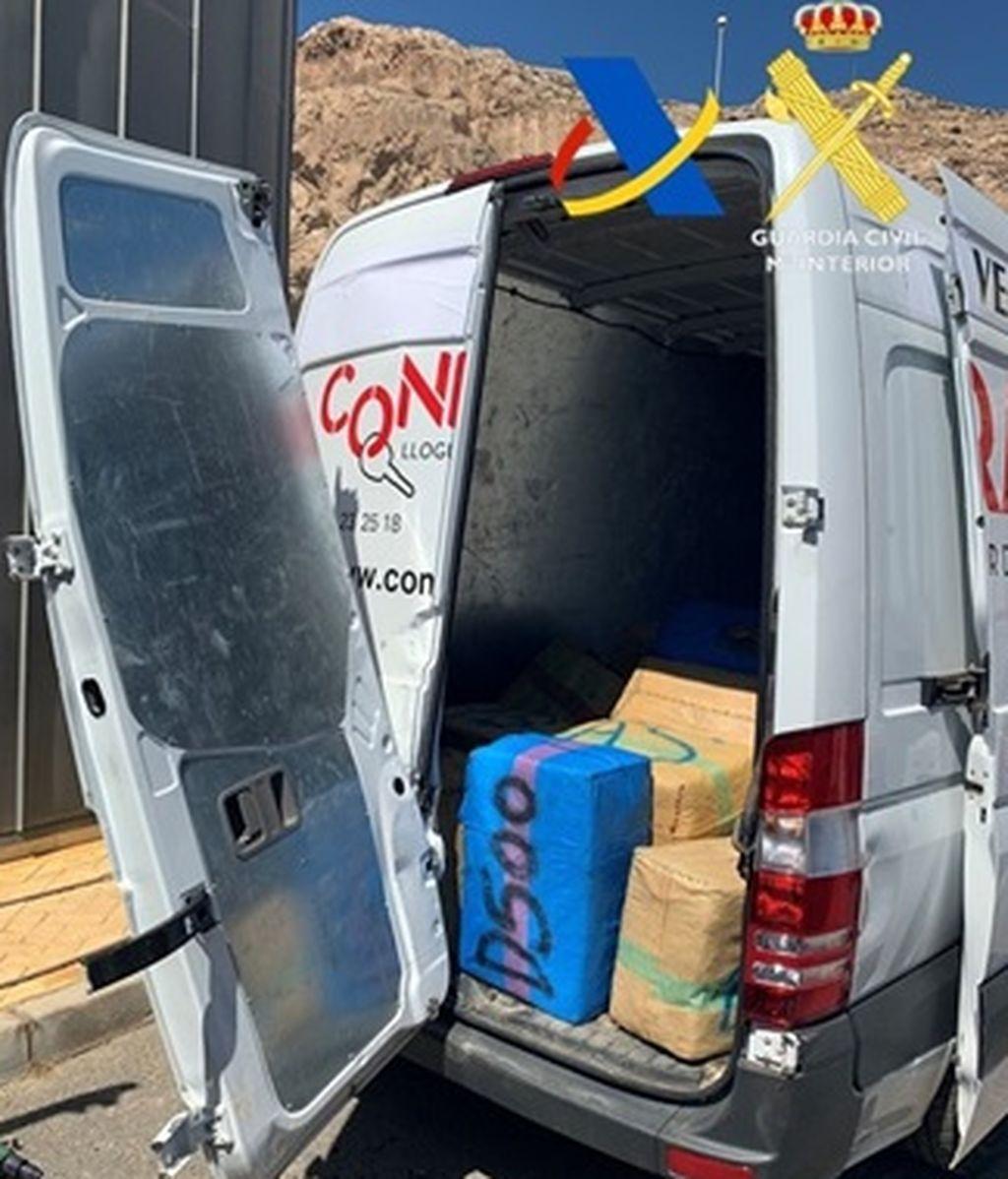 La furgoneta que aprovisionaba de gasolina y volvía cargada con hachís