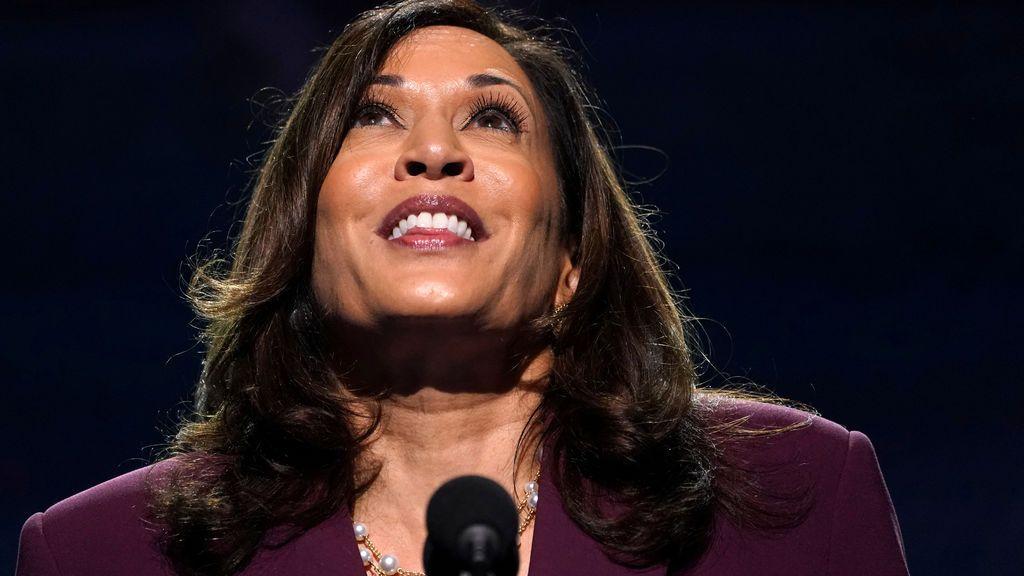 Kamala Harris asume oficialmente su candidatura a vicepresidenta demócrata de EEUU