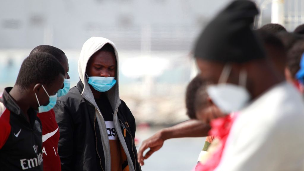 Andalucía hará pruebas PCR a todos los ocupantes de pateras que lleguen a las costas andaluzas