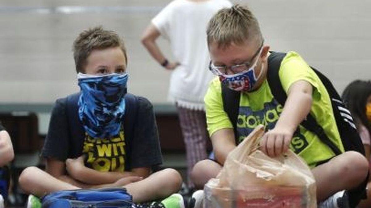 Galicia y Cataluña apuestan por imponer mascarillas obligatorias en las aulas
