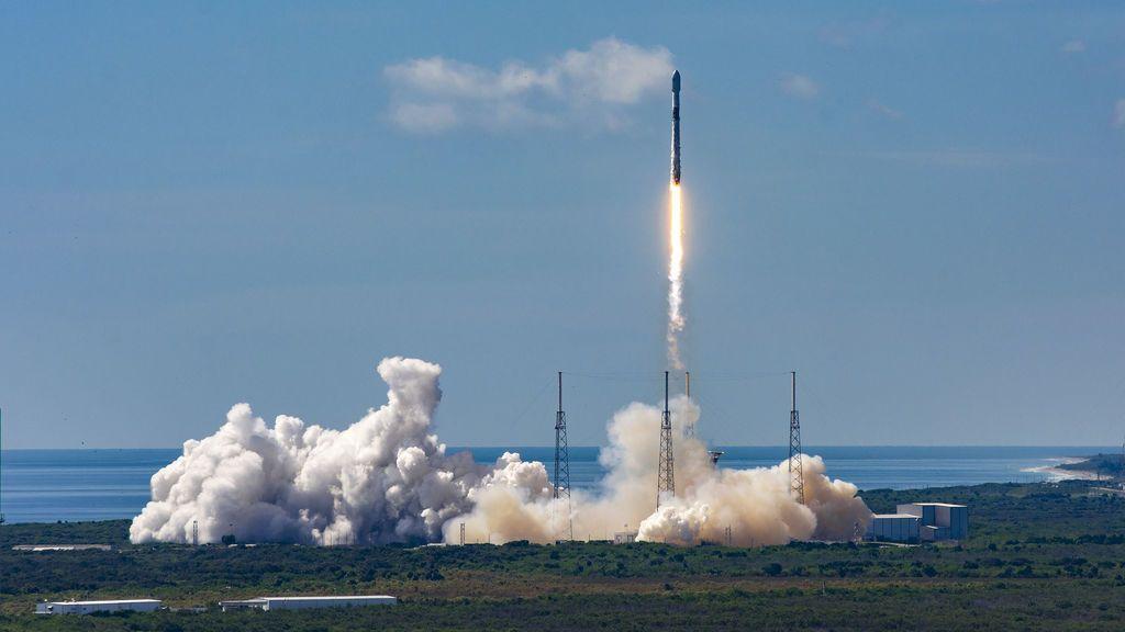 SpaceX lanza al espacio otros 58 satélites para su red de Internet global