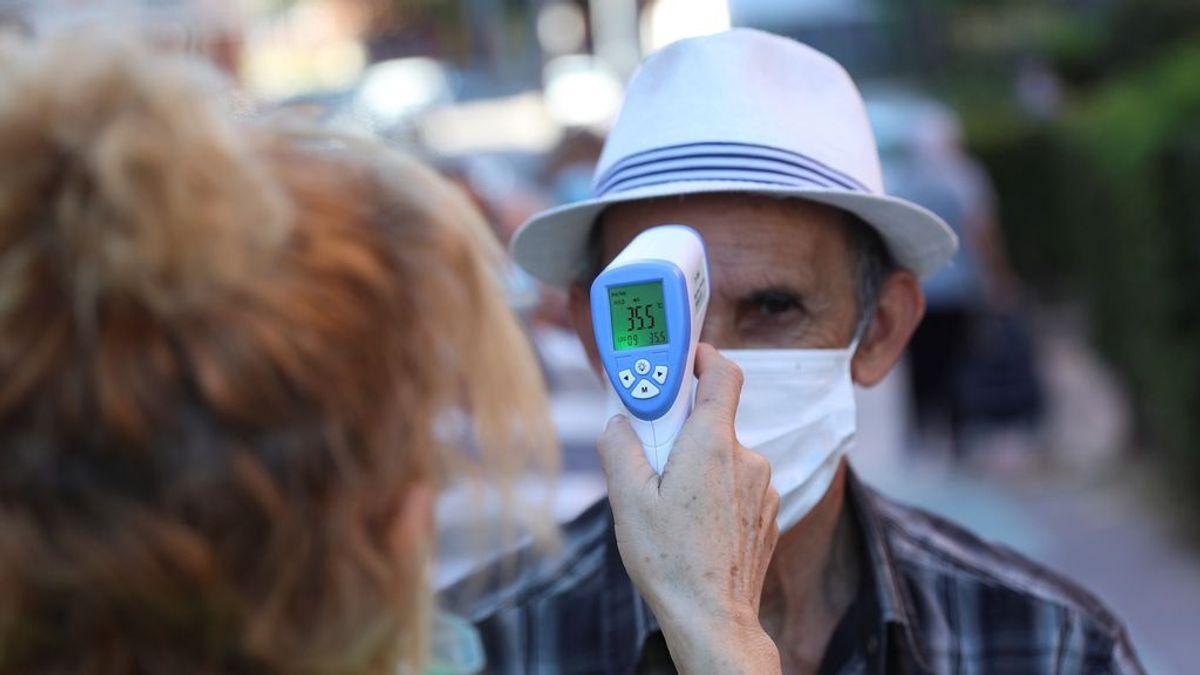 Segunda ola de COVID: Los ancianos también enferman más leves y hay más tratamientos para ellos