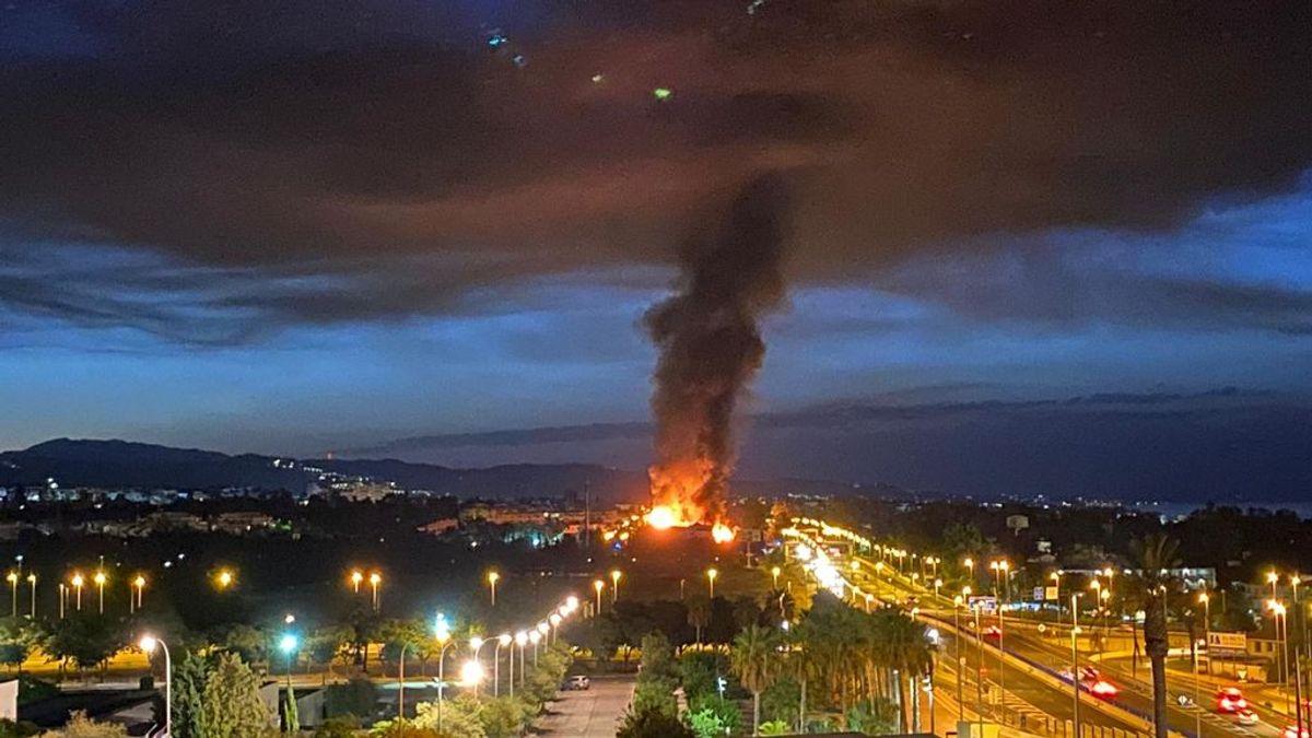 Un gran incendio en un hotel de Puerto Banús deja varios heridos