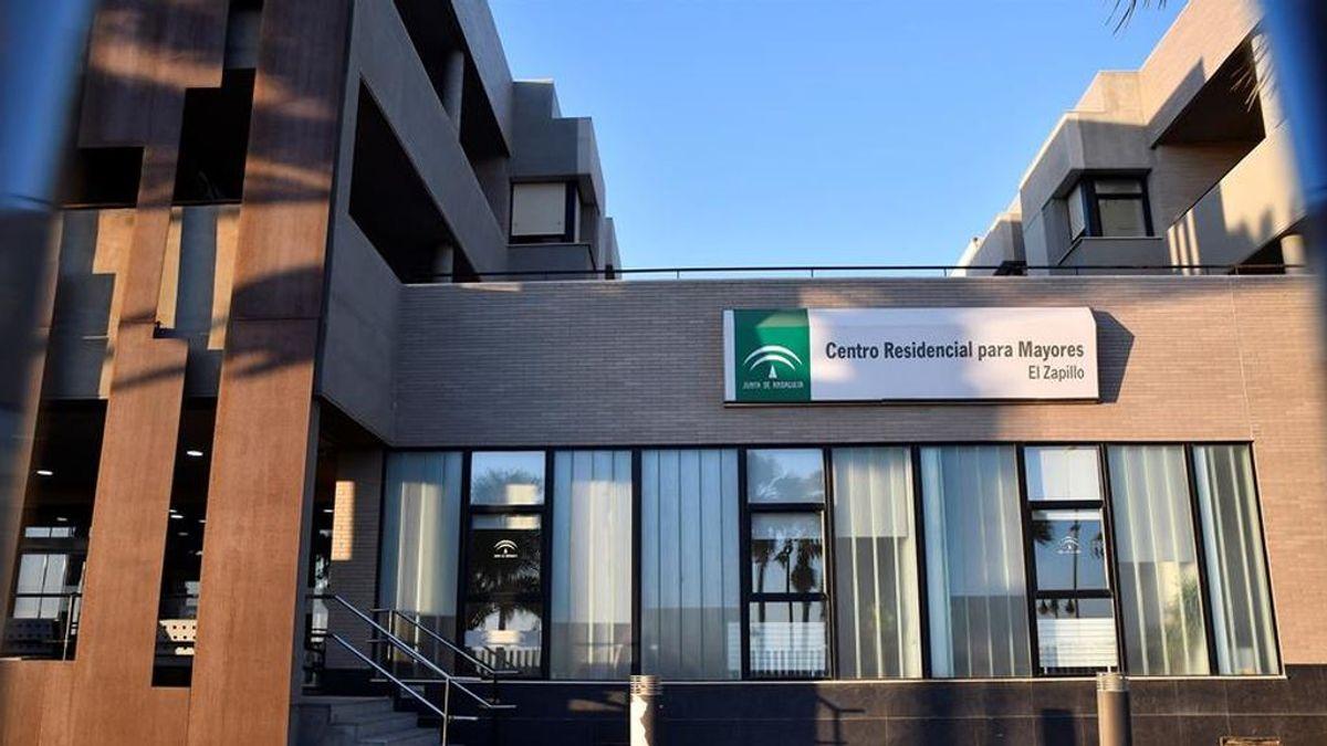 El Gobierno convoca el lunes a las CCAA para tratar los brotes en residencias de mayores