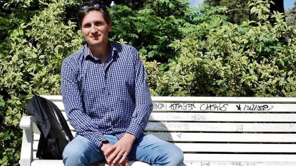 Daniel, sociólogo y experto en finanzas, se manifiesta en Berlín contra las medidas anti-COVID-19