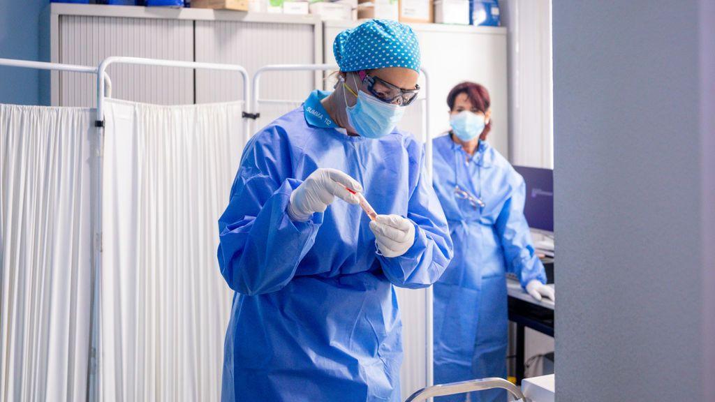 El Colegio de Médicos de Cádiz avisa de que expedientará a los facultativos que secunden el negacionismo