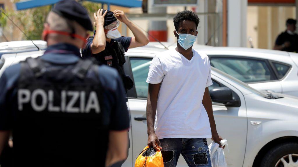 Sicilia ordena la salida inmediata de todos los inmigrantes de la isla