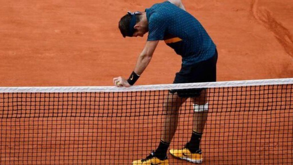 Estas son las lesiones habituales practicando tenis: cómo evitarlas
