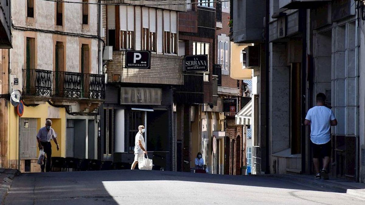 Los contagios siguen disparados en España dos meses después del fin del confinamiento