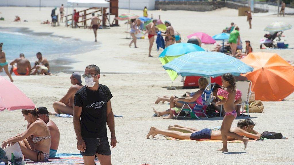 Se mantiene la cifra de contagios diarios en Canarias, 293 en las últimas 24 horas
