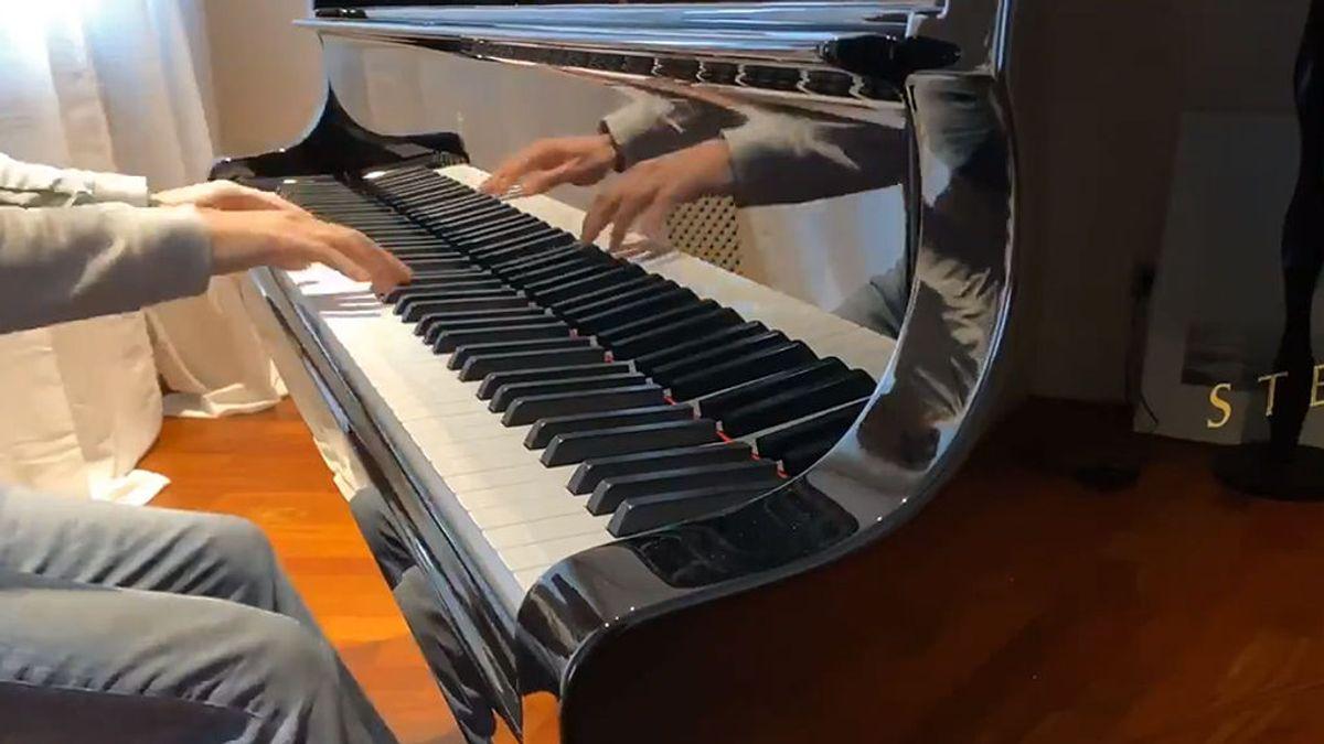 James Rhodes responde a una petición anónima con una versión de Extremoduro al piano que enamora a los fans