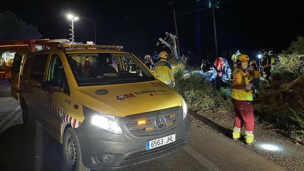 Tres muertos en un accidente múltiple: los ocupantes del otro coche huyen a pie