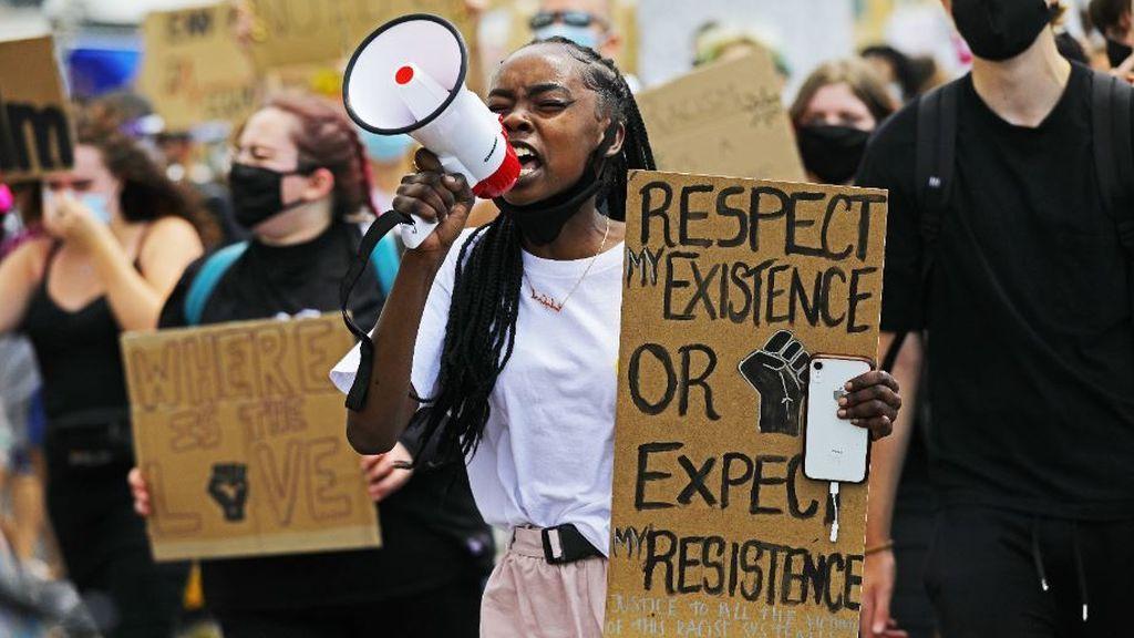 Vuelven las protestas a Estados Unidos después de que un policía disparara siete veces a un joven afroamericano