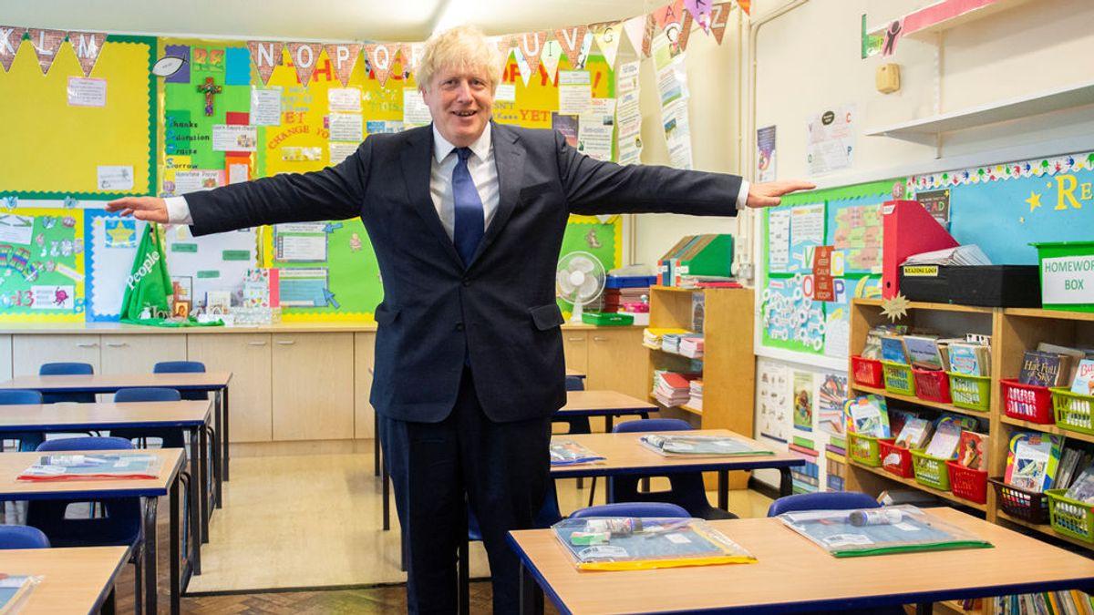 """Johnson considera """"vital"""" el retorno de los niños al colegio"""