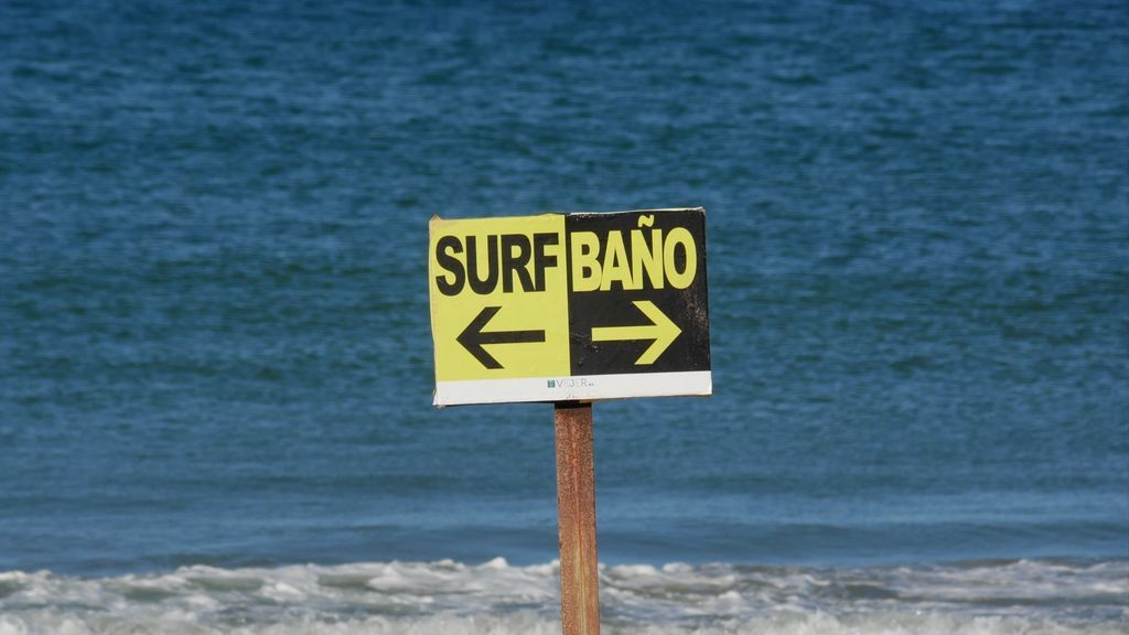 Delimitación de zonas de surf y baño