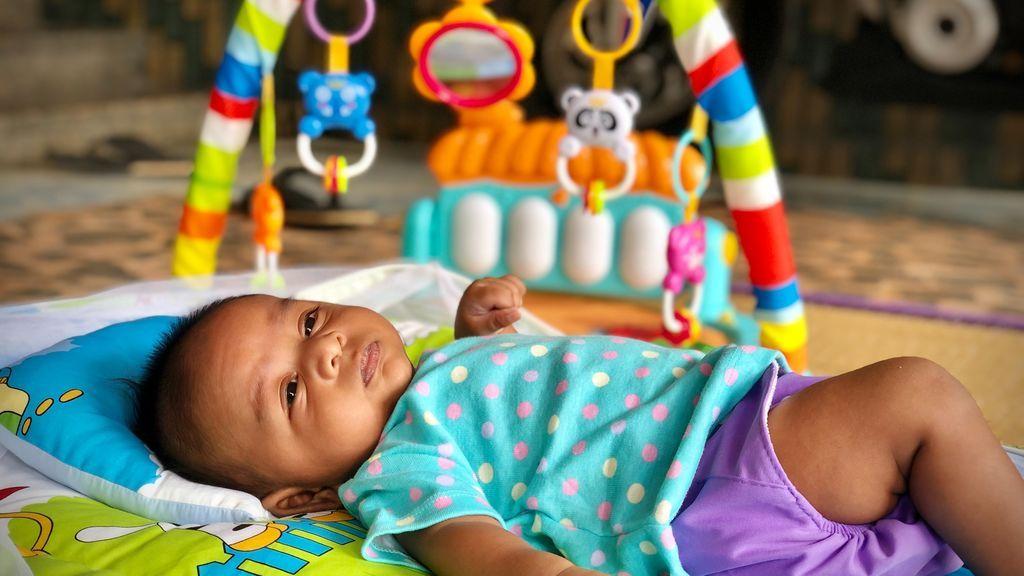 Sencillas y muy útiles: cómo elegir la mejor alfombra de juegos para tu bebé