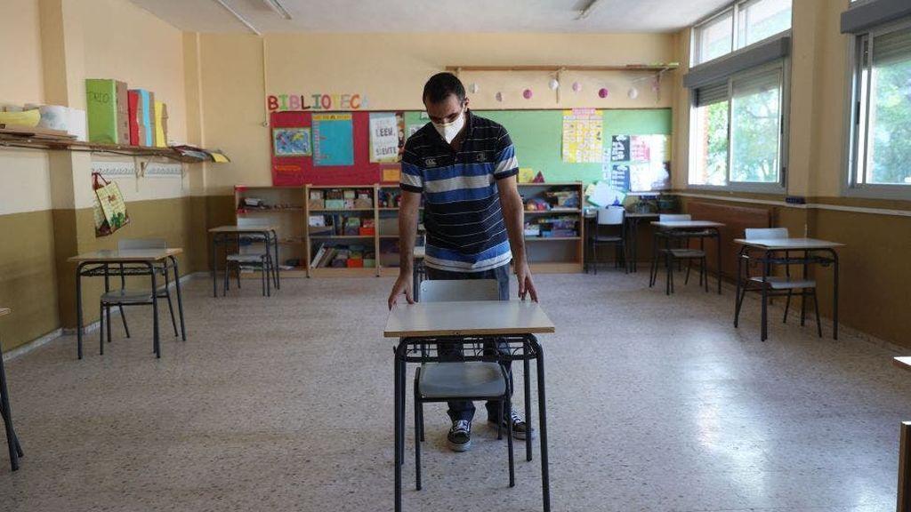 Iglesias acusa a Celáa en el Consejo de falta liderazgo en vuelta a las aulas