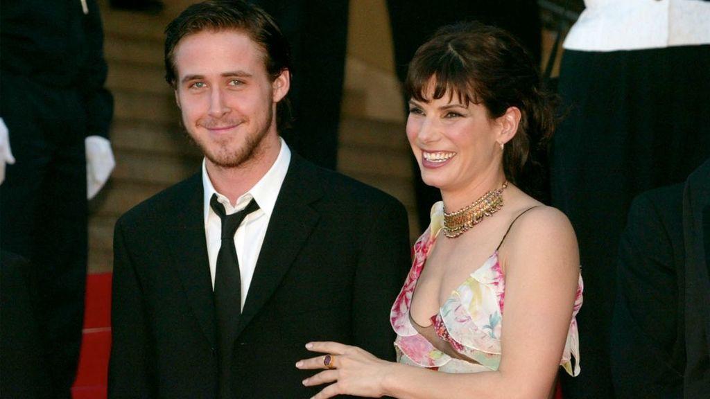Bullock salió durante cuatro años con el actor Ryan Gosling, después de haberse conocido en el rodaje de Murde by Numbers.