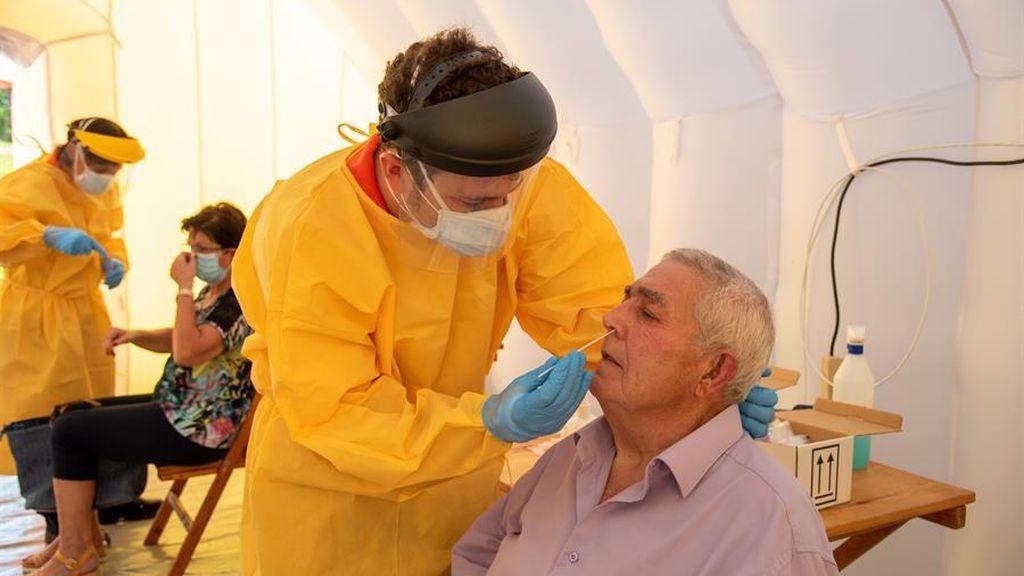 Sanidad notifica 7.296 nuevos positivos de coronavirus, 3.594 en las últimas 24 horas