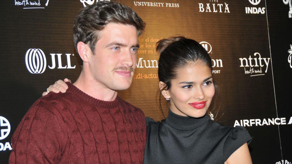 Sara estuvo saliendo durante cinco años con el actor Raúl Mérida.