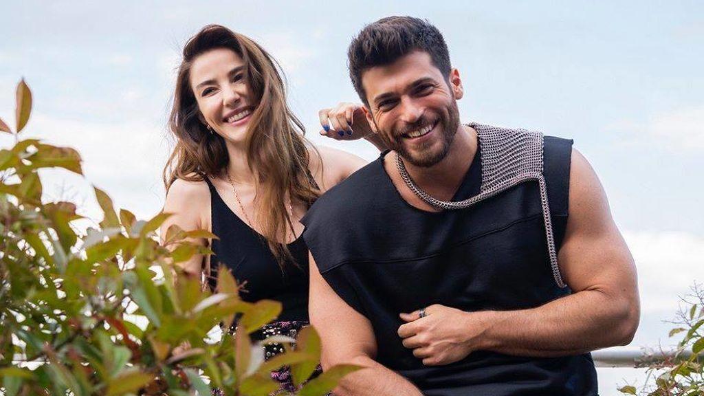 Para este año, el actor ha optado por cortarse la melena y, así, protagoniza 'Bay yanlış'.