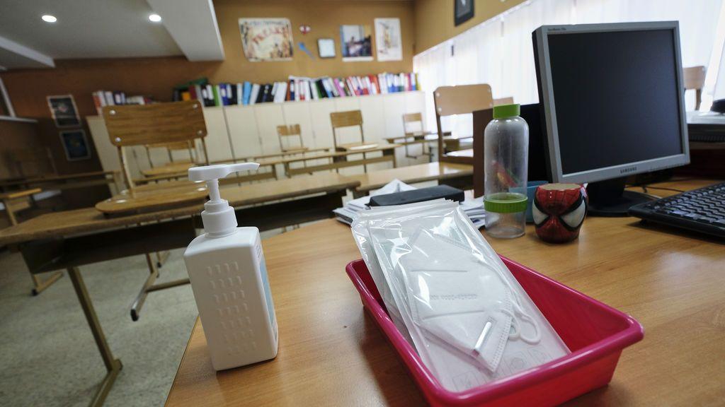 Gel hidroalcóholico en las clases: claves y cuidados para que los niños lo usen a diario sin dañar la piel