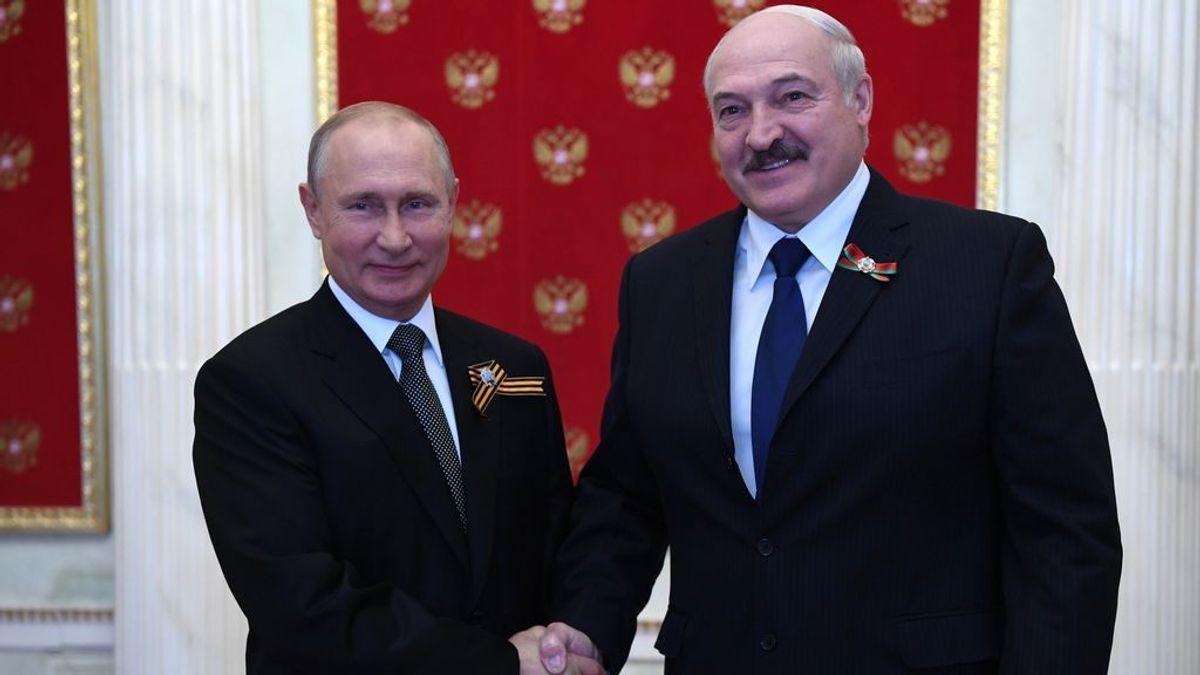 Putin promete apoyo militar para el líder bielorruso, Alexander Lukashenko