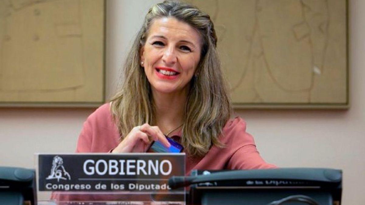 Yolanda Díaz  promete las medidas necesarias para que los trabajadores puedan cuidar de sus hijos