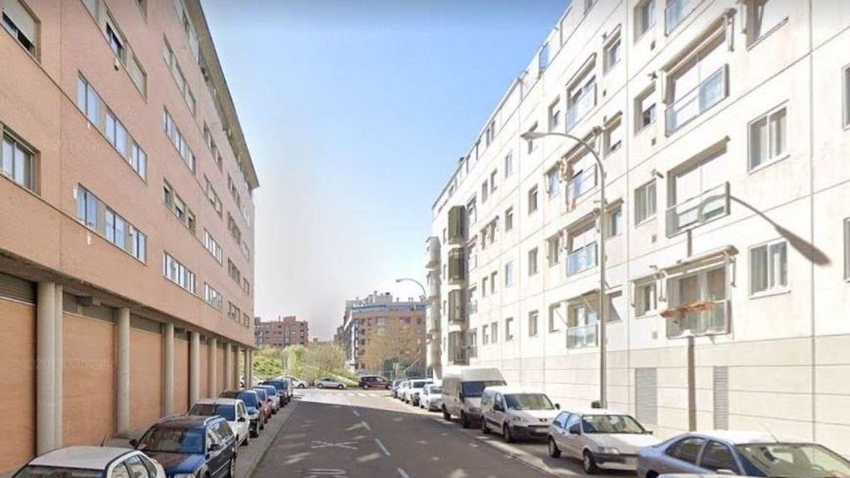 Un adolescente mata a su padre en Madrid al atropellarle accidentalmente cuando aparcaba el coche