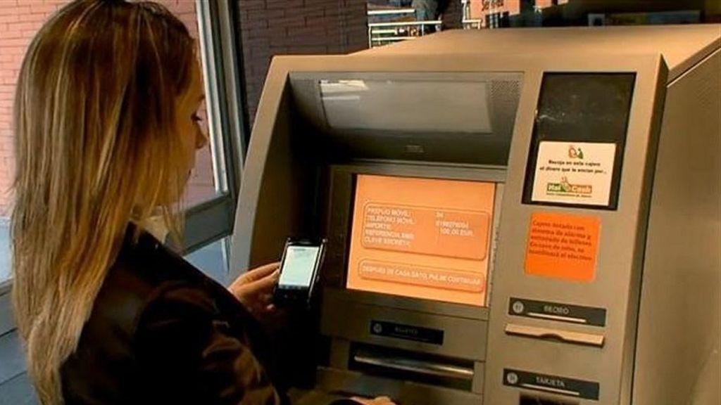 Las técnicas más frecuentes de los delincuentes para robar en cajeros automáticos